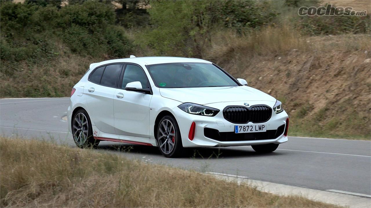 Berline BMW Série 1 - Puissante, efficace, faible en consommation et riche en sensations.  Vous ne pouvez pas demander beaucoup plus à ce moteur.