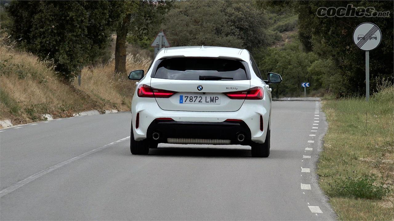 BMW Série 1 Berline - La BMW M135i xDrive fait peut-être mieux, mais la BMW 128ti me paraît la vraie star du catalogue.  Et aussi l'une des meilleures compactes du moment.