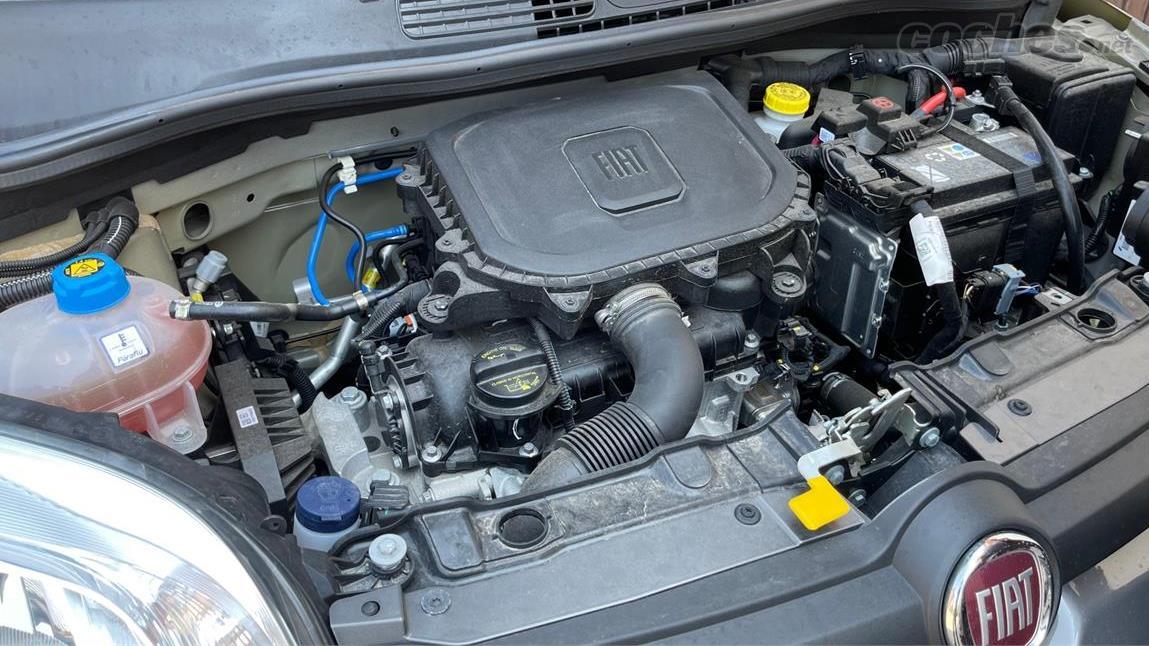 FIAT Panda Berlina - La Fiat Panda Sport Hybrid est équipée d'un moteur trois cylindres atmosphérique de 69 ch.