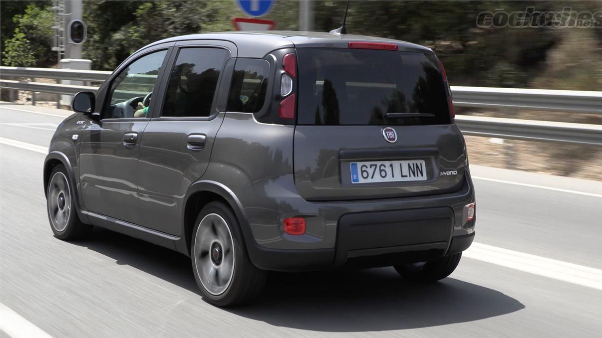 FIAT Panda Berlina - L'autoroute n'est pas son terrain de prédilection, mais elle se défend sans problème en maintenant la 120 avec une consommation qui n'atteint pas les 5 litres.