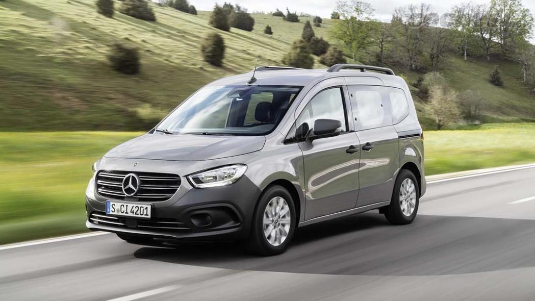 MERCEDES-BENZ Citan - Le design avant du Citan rappelle assez ce que l'on peut trouver dans les derniers lancements Mercedes-Benz.