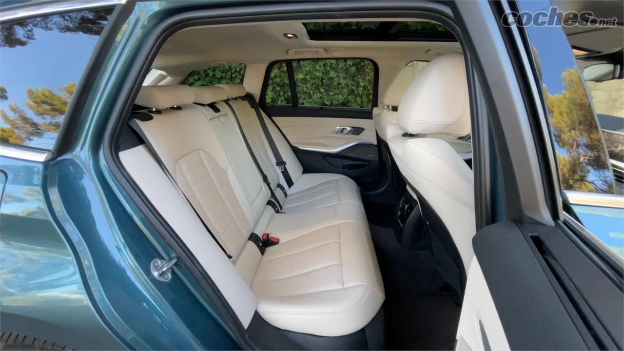BMW Série 3 Familiale - Les sièges arrière sont spacieux tant que seuls deux occupants les utilisent.  Le carré central est inconfortable et le porter rend les deux autres inconfortables.