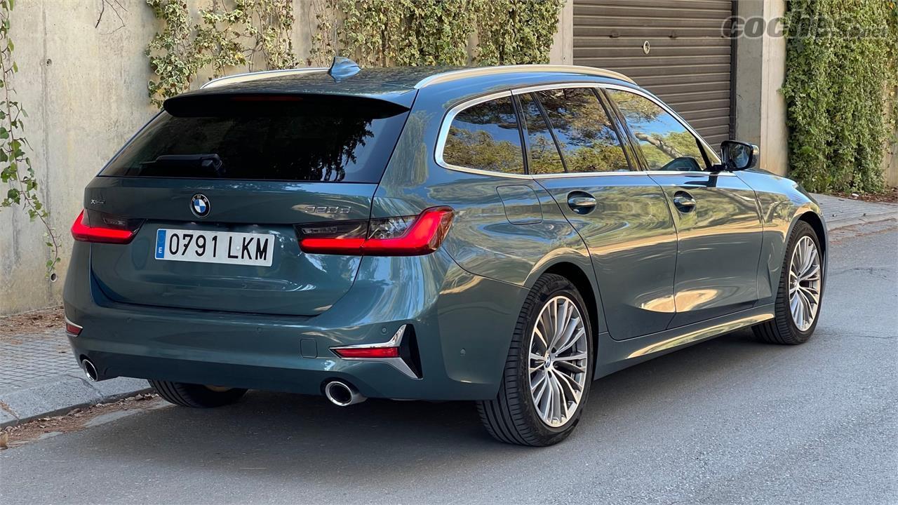 BMW Série 3 Break - Tout le chrome extérieur de notre unité BMW 320d xDrive Touring est inclus dans le pack Luxe en option.