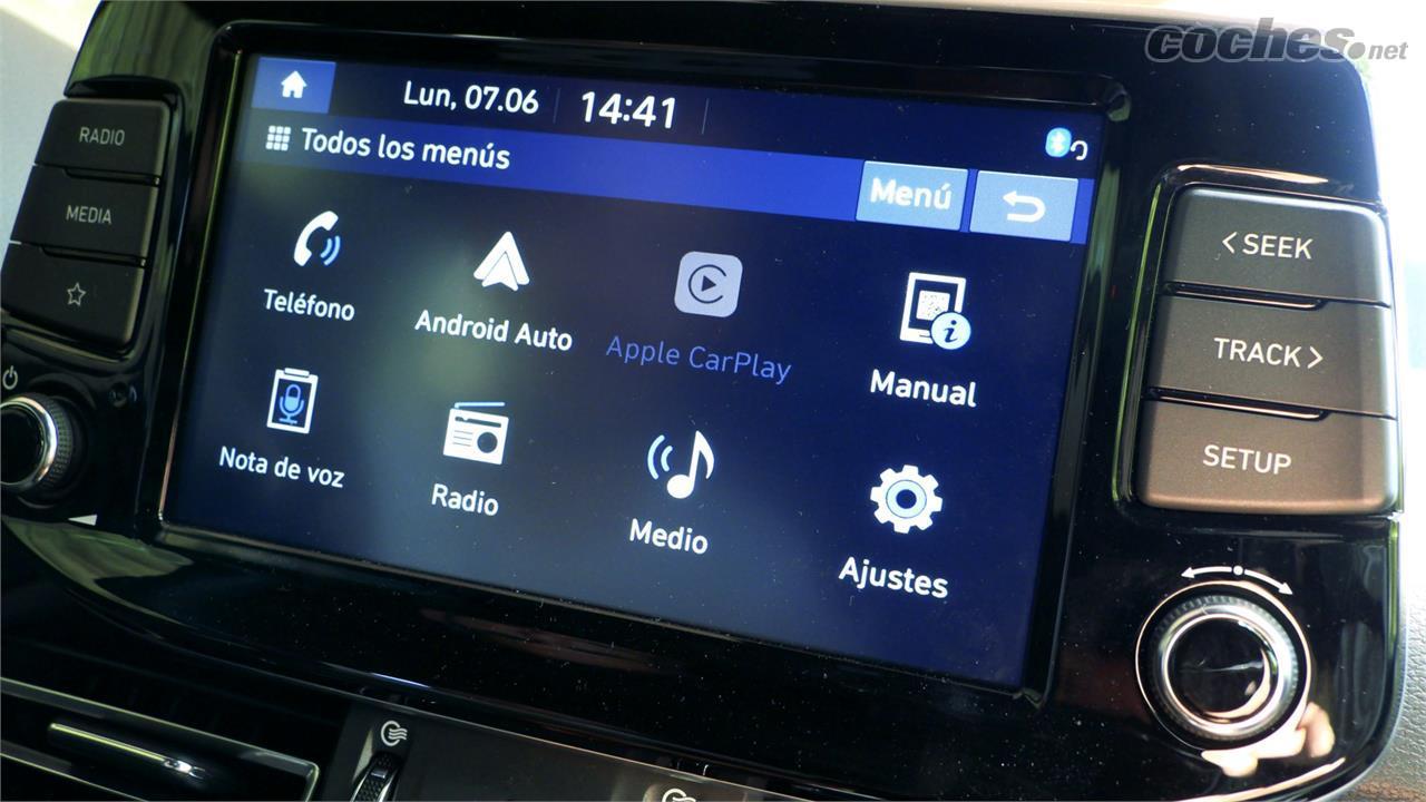 HYUNDAI i30 - L'écran multimédia est de 8 pouces et intègre Android Auto et Apple CarPlay, mais il n'a pas de navigation.