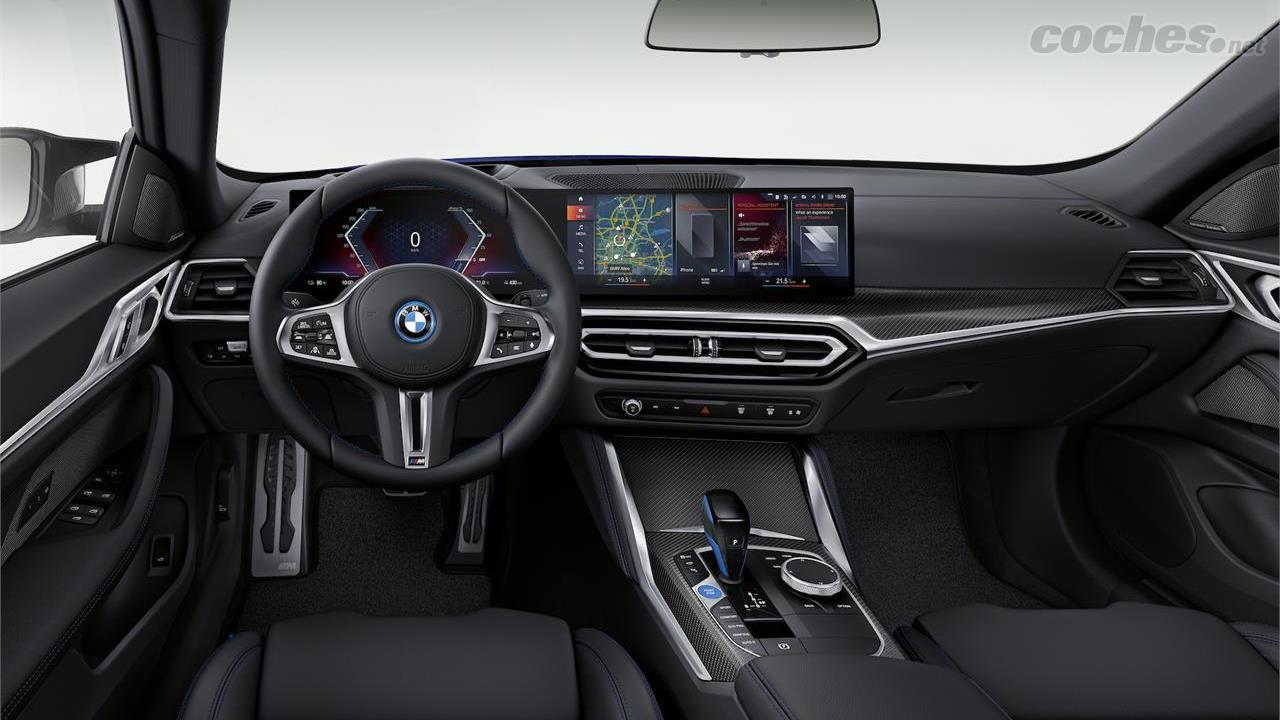 BMW i4 - L'intérieur de la BMW i4 M50 n'est pas inhabituel pour la marque.  Bien sûr, la numérisation des fesses.