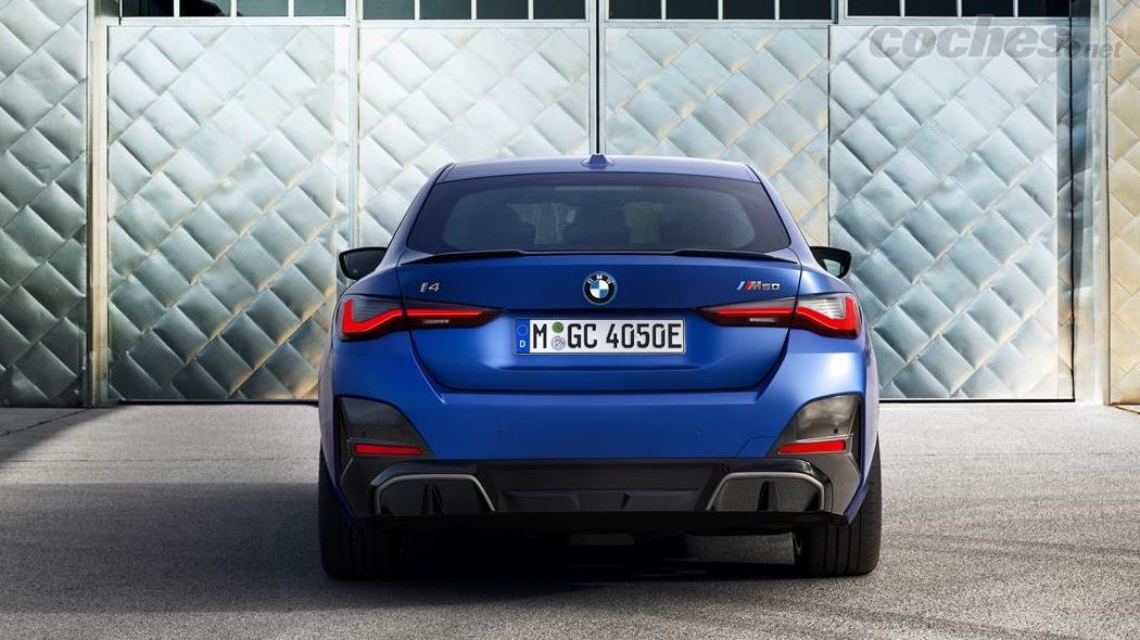 BMW i4 - La BMW i4 M50 dispose de deux moteurs électriques, un par essieu, pour fournir du couple aux roues, principalement les roues arrière.