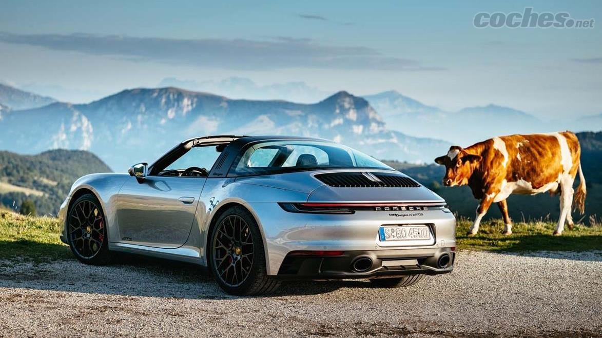 PORSCHE 911 - Porsche 911 Carrera GTS 2021