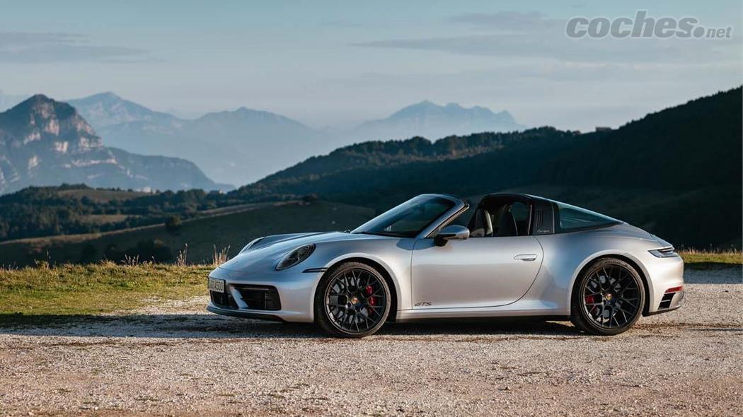 PORSCHE 911 - La 911 Targa est uniquement disponible avec la transmission intégrale.  Bien sûr, vous pouvez choisir entre le PDK ou le changement manuel.