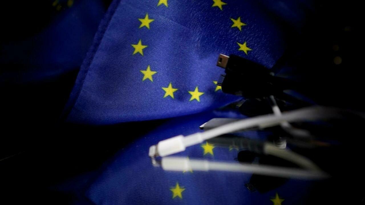 L'UE prône un chargeur universel, face à la forte opposition d'Apple