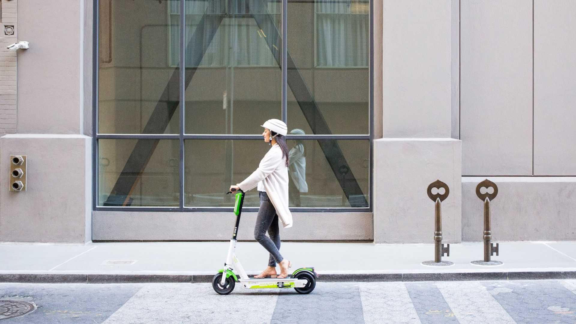 La DGT propose une assurance obligatoire pour les scooters