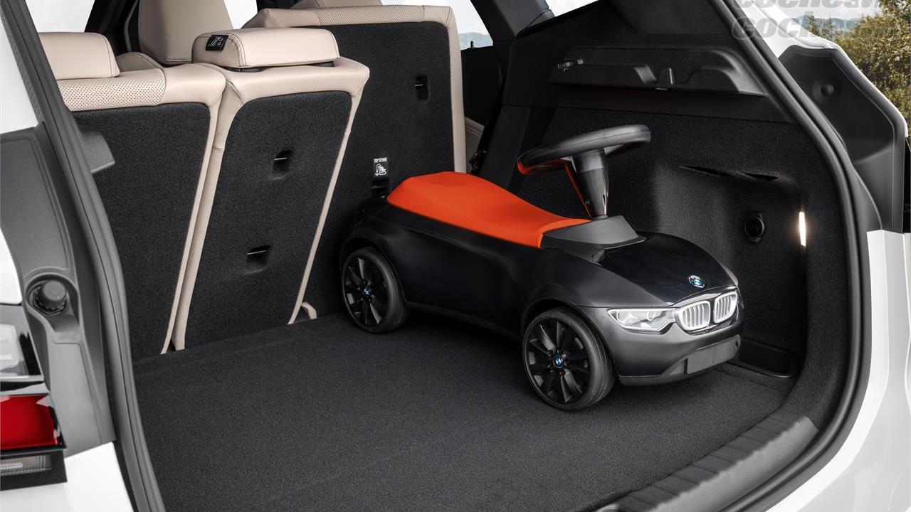 BMW Série 2 Active Tourer - Le coffre de la BMW Série 2 Active Tourer 2022 n'est pas l'un de ses meilleurs atouts.  Il propose 470 litres contre seulement 415 litres dans les versions à hybridation légère.