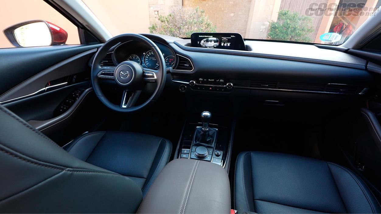 MAZDA CX30 - L'intérieur du CX 30 offre une sensation d'excellente qualité et de bonnes finitions.