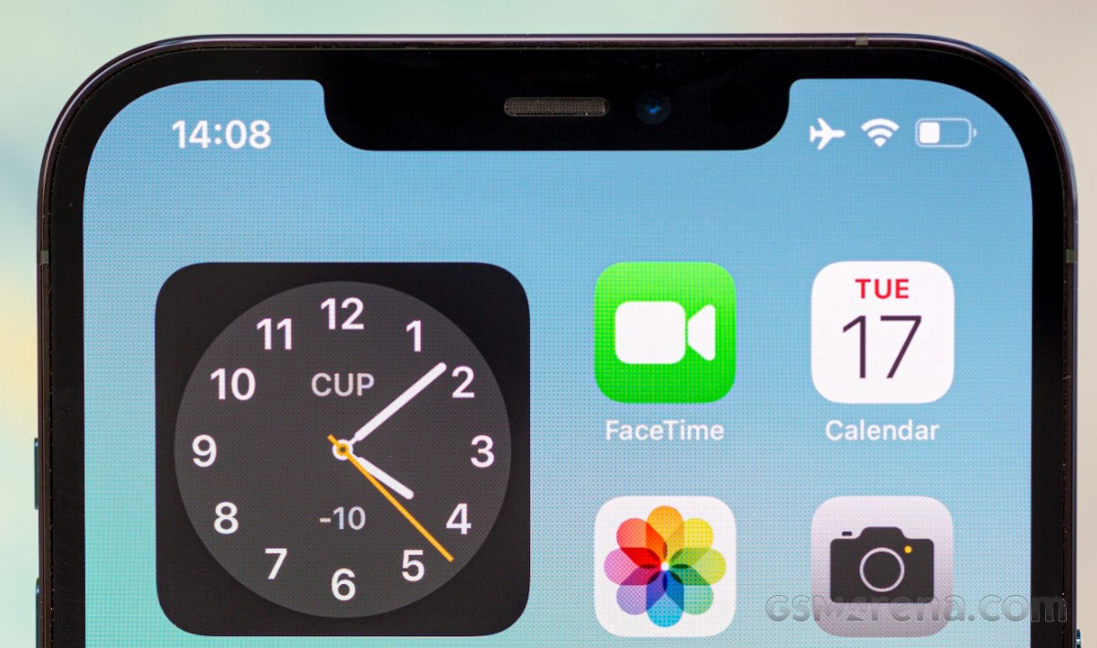 Bloomberg : la connexion satellite Apple iPhone 13 peut être limitée aux messages d'urgence