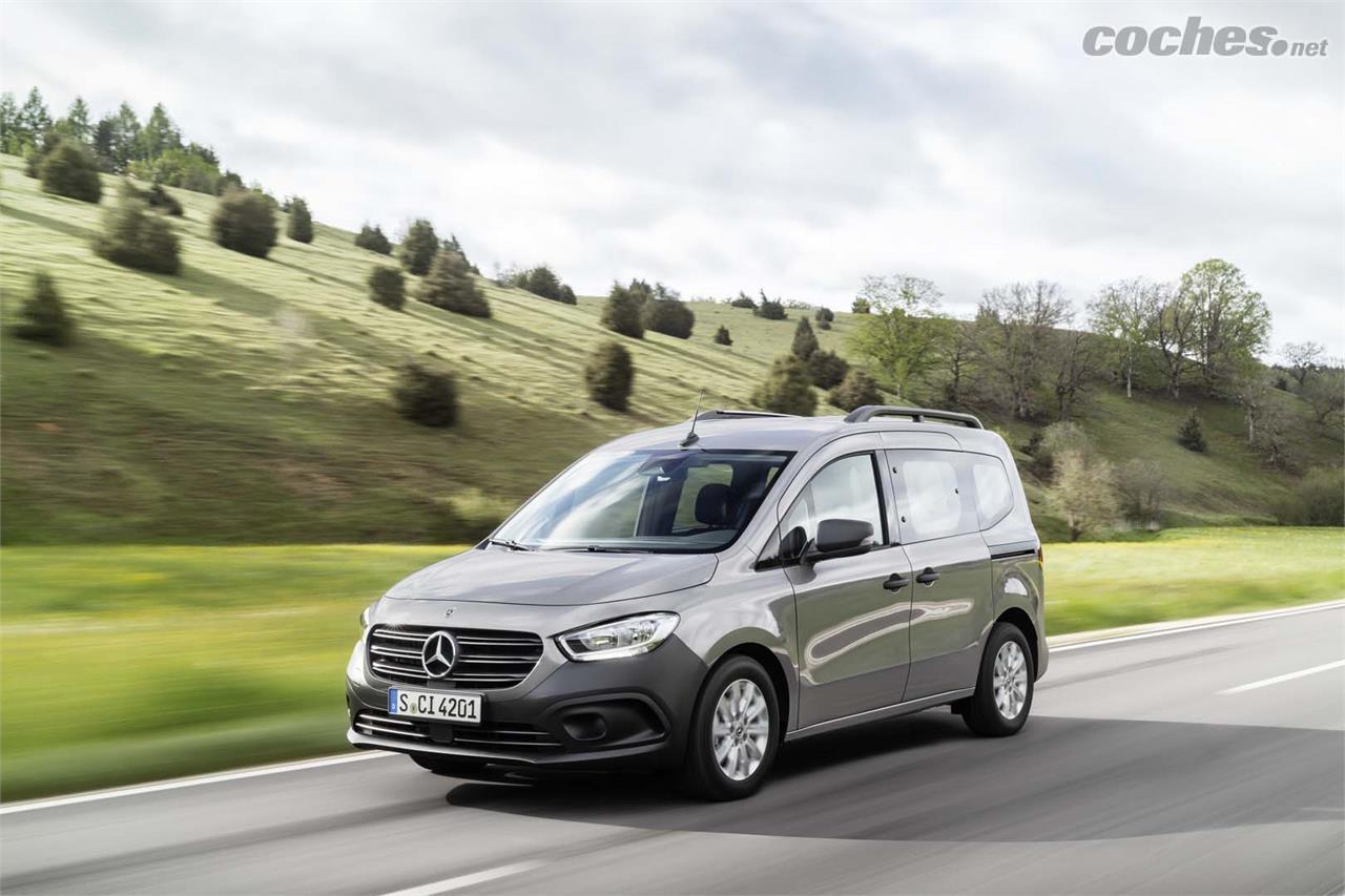 MERCEDES-BENZ Citan - El diseño frontal de la Citan recuerda bastante al que podemos encontrar en los últimos lanzamientos de Mercedes-Benz.