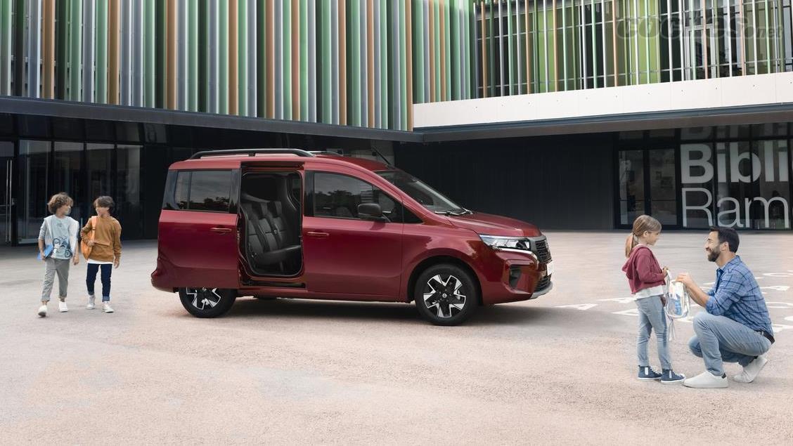 NISSAN 370Z - Le Nissan Townstar Combi cible les familles actives avec de jeunes enfants comme une alternative pratique aux modèles SUV.